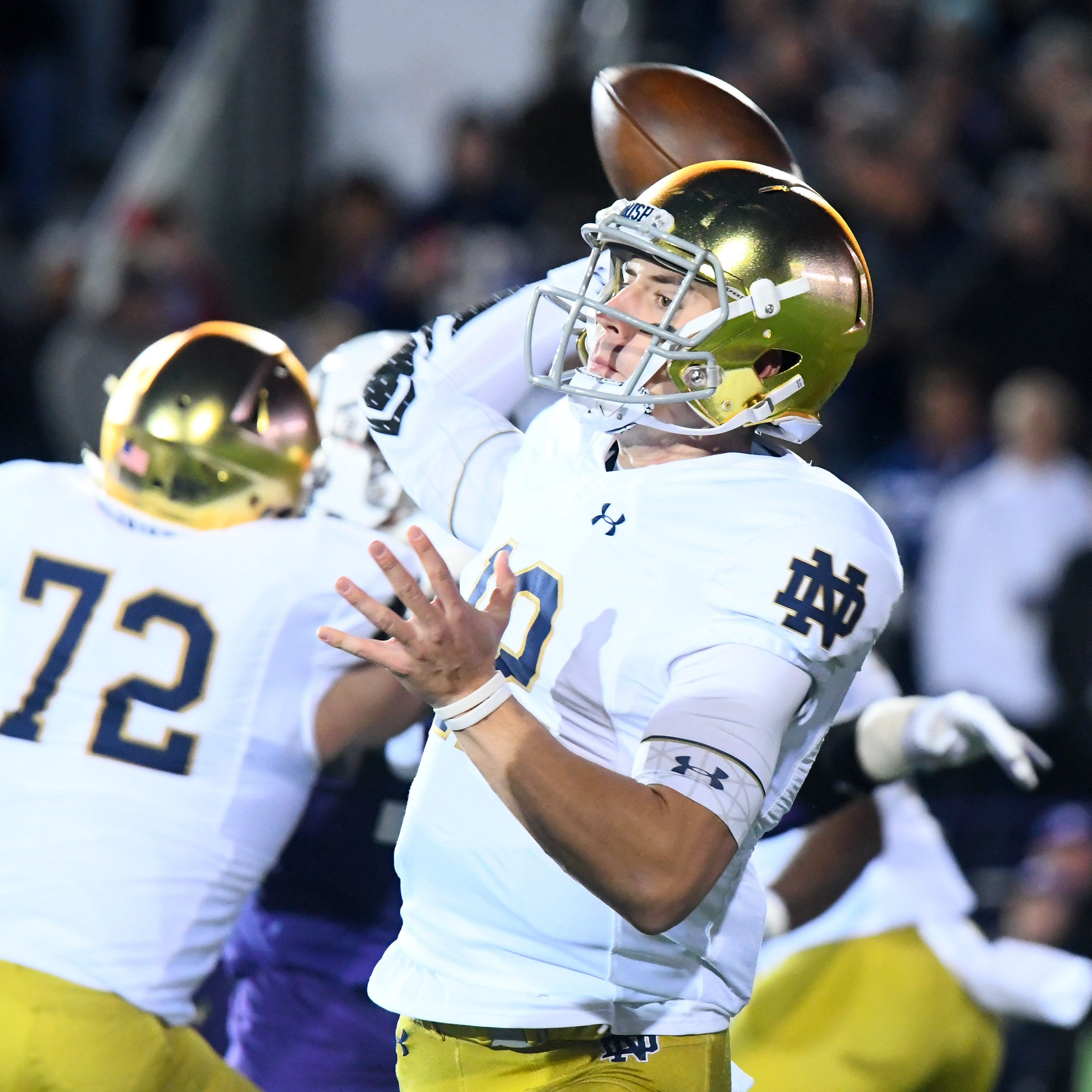 Reports: Notre Dame QB Ian Book to miss Florida State game