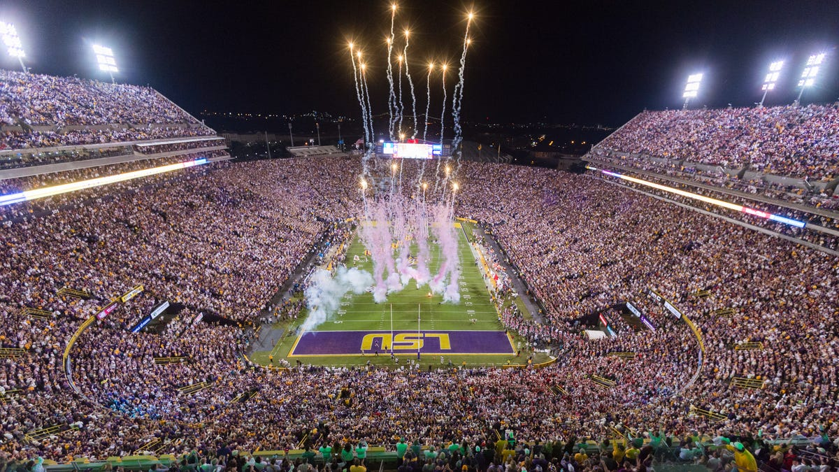 How to watch South Carolina's football game at LSU