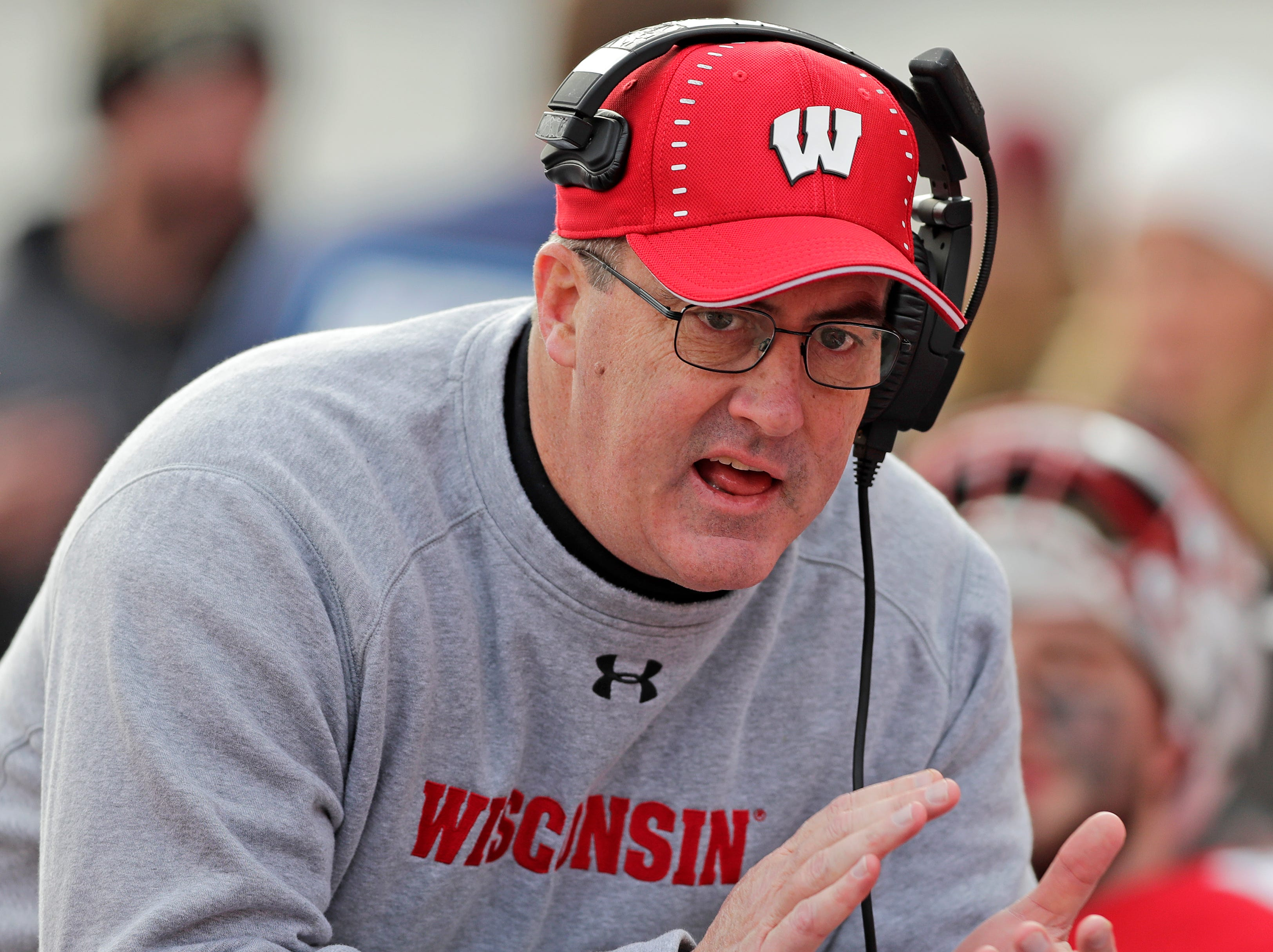 Wisconsin Badgers head coach Paul Chryst talks to his players on the bench during the second half of a Big Ten football game against the Rutgers Scarlet Knights at Camp Randall Stadium on Saturday, November 3, 2018 in Madison, Wis.Adam Wesley/USA TODAY NETWORK-Wisconsin