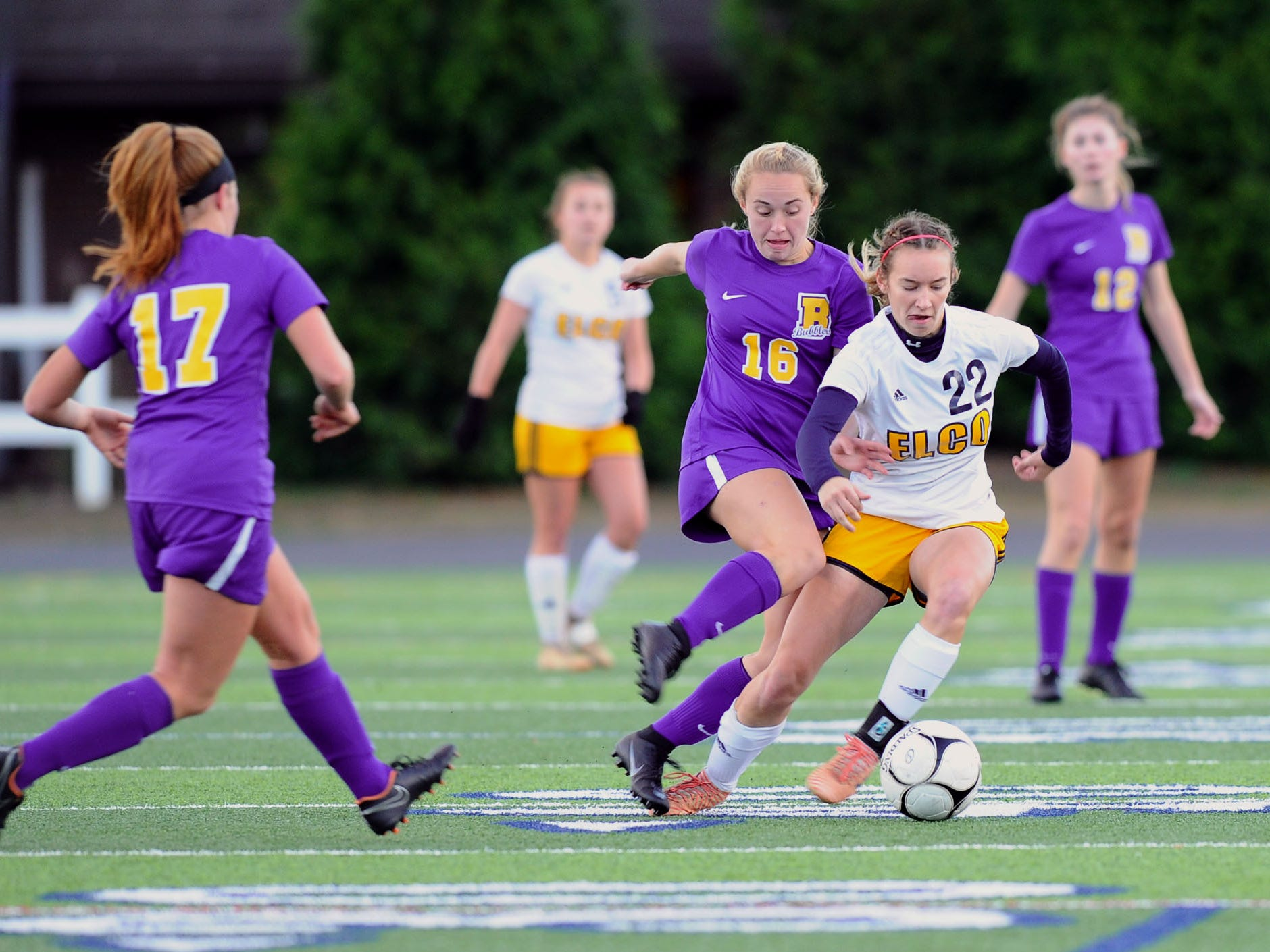 Elco's Jennifer Axarlis (22) battles Hannah Goodwin (16) of Boiling Springs for the ball during second half action.