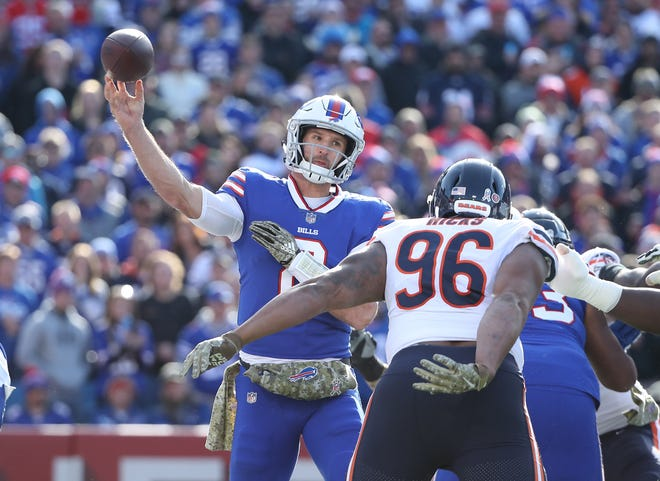 BUFFALO, NY - NOVEMBER 04: Nathan Peterman #2 of the Buffalo Bills throws a pass during NFL game action against the Chicago Bears at New Era Field on November 4, 2018 in Buffalo, New York. (Photo by Tom Szczerbowski/Getty Images)