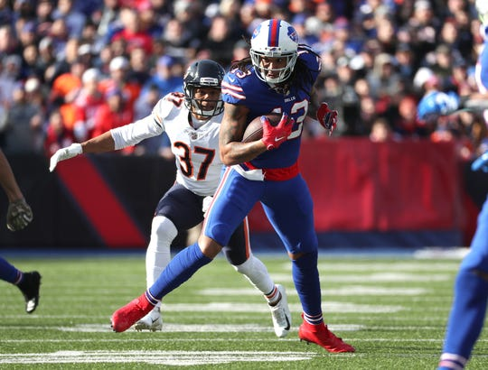Kelvin Benjamin is tackled from behind by Bryce Callahan of the Chicago Bears in a game earlier this season. The Buffalo Bills released Benjamin on Tuesday.