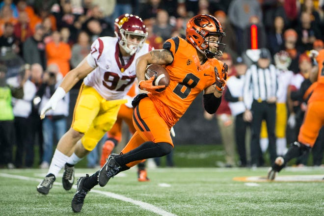 Nov 3, 2018; Corvallis, OR, USA; Oregon State Beavers wide receiver Trevon Bradford (8) carries the ball during the first half against the USC Trojans at Reser Stadium. Mandatory Credit: Troy Wayrynen-USA TODAY Sports