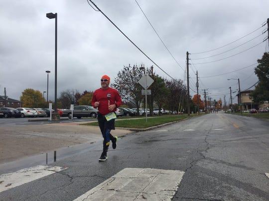Chad Edelen at mile 17.