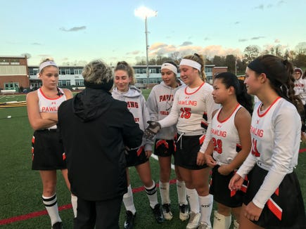 Section 1 field hockey chairperson Sue Hughes presents Class C regional runner-up plaque to Pawling seniors.  2018.jpg
