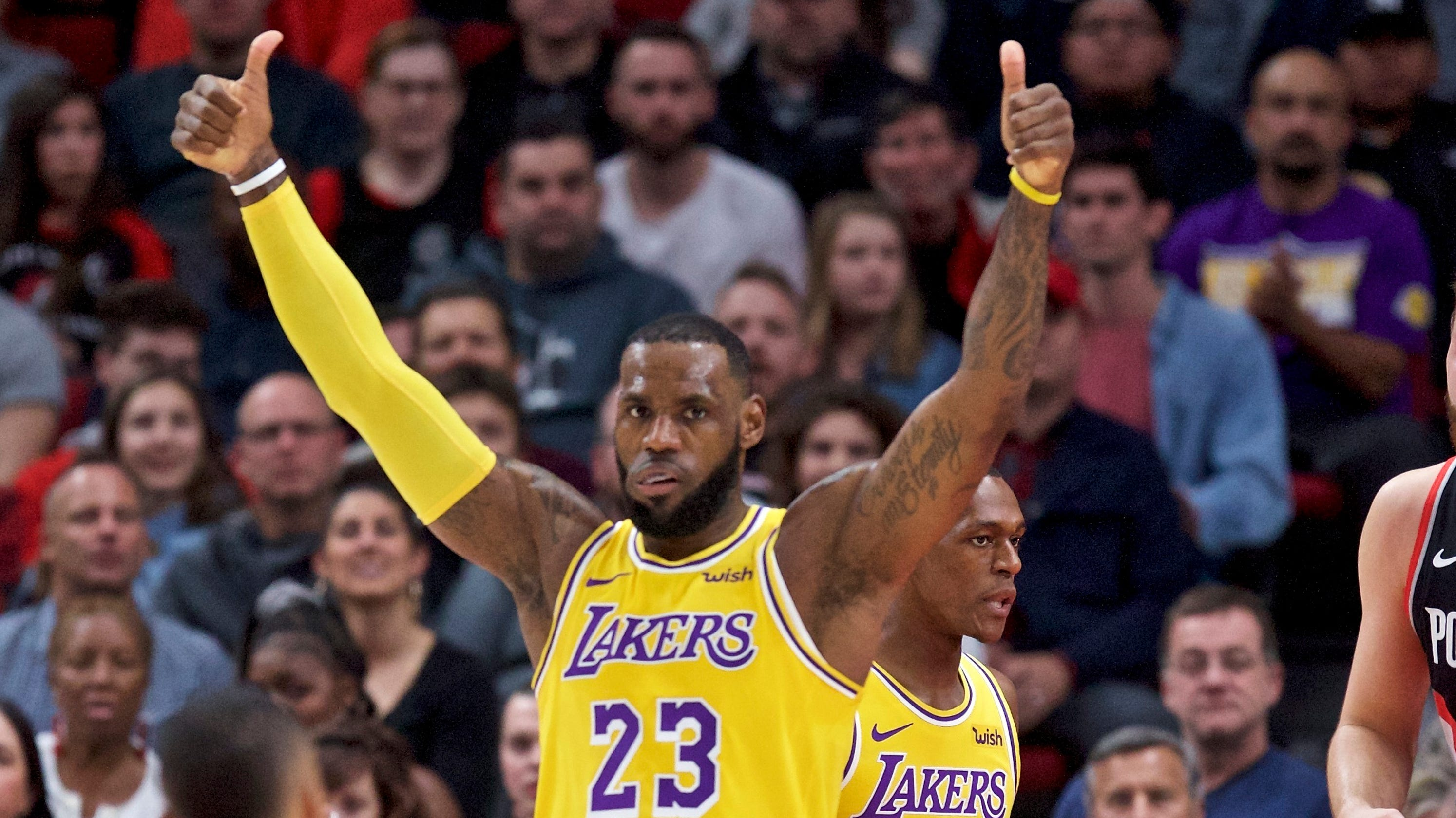 43b00b5b8f0a8 Lakers win another nail-biter in bid to appease Magic Johnson
