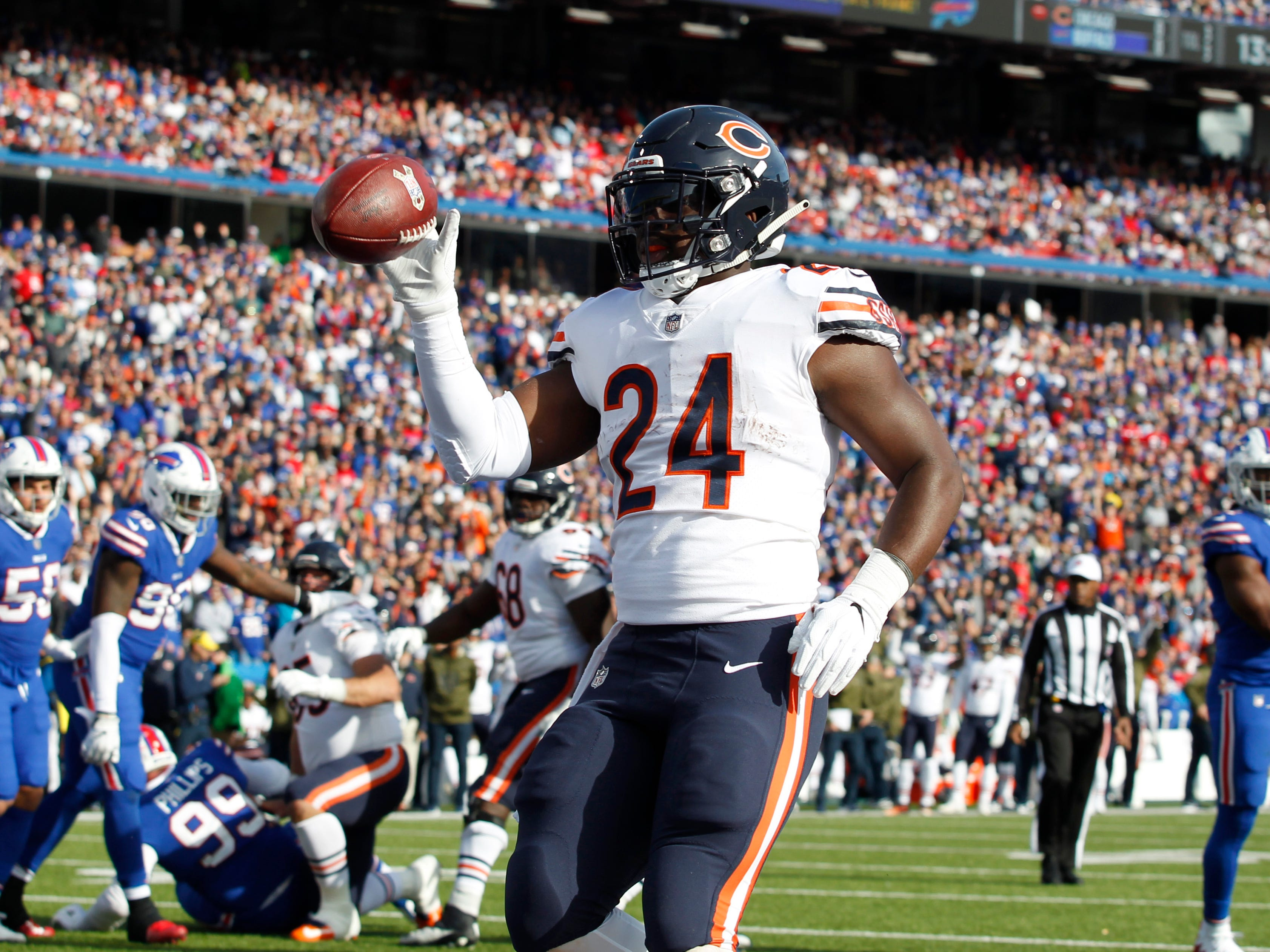 Chicago Bears running back Jordan Howard (24) scores a first-half touchdown against the Buffalo Bills at New Era Field.