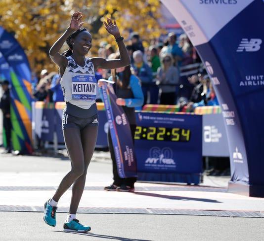 2018-11-4-mary-keitany-finish