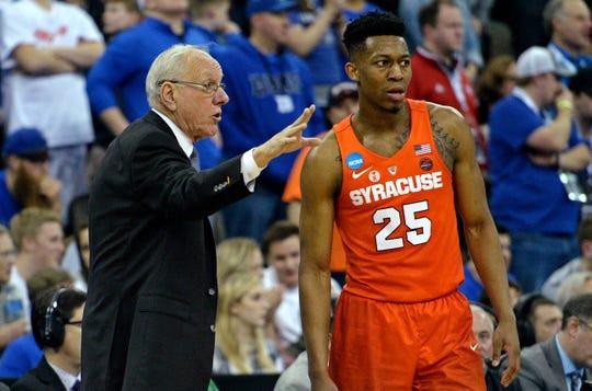 Tyus Battle and Syracuse coach Jim Boeheim talk during the NCAA Tournament.