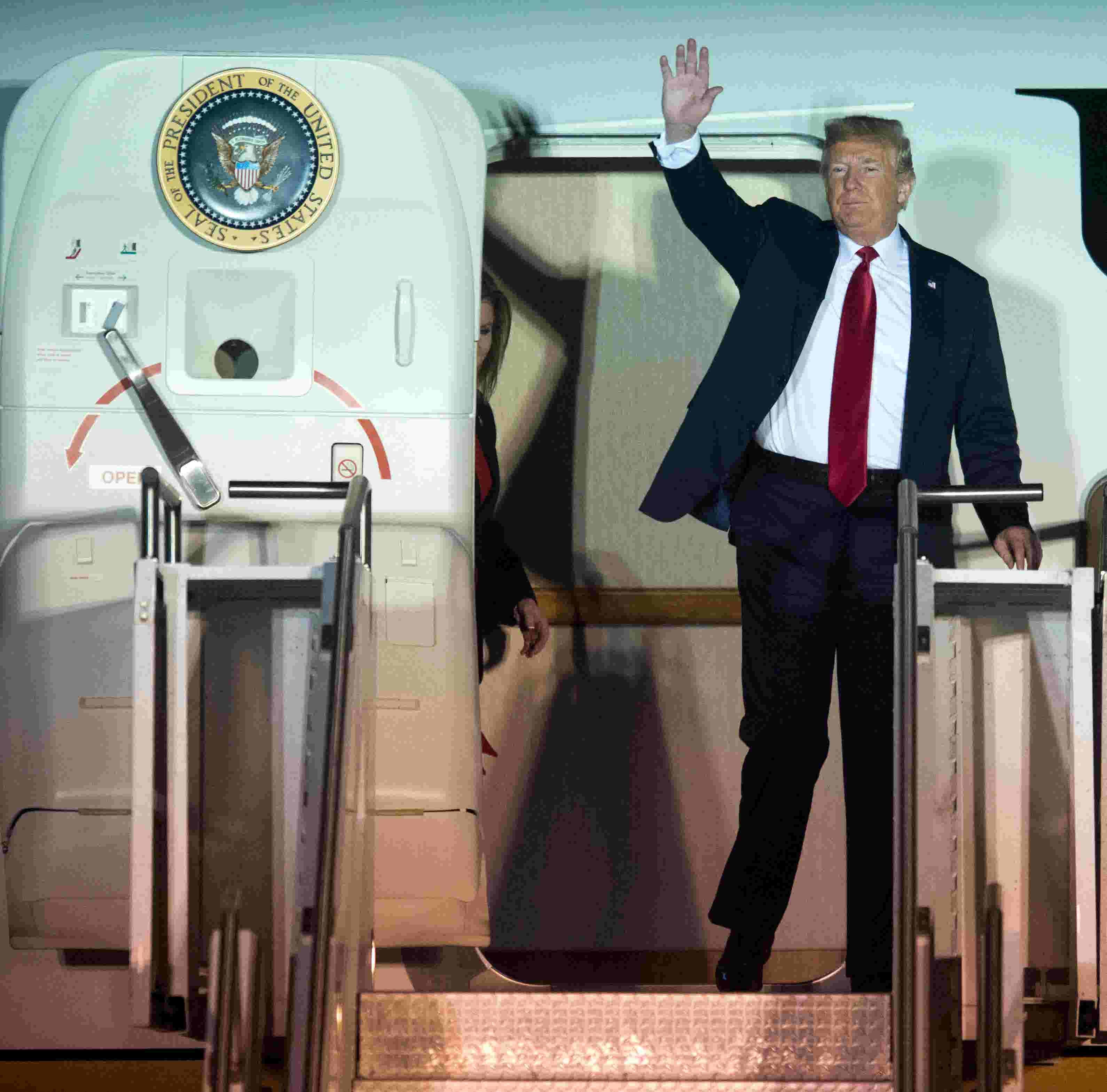 President Trump's Chattanooga rally: Trump praises Blackburn