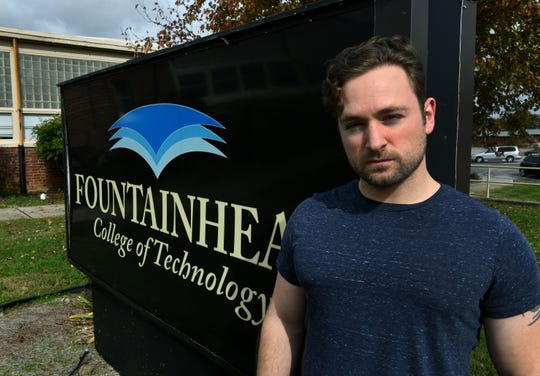 """Student Corey Jones said """"there was no warning, no anything,"""" before Fountainhead College abruptly announced it would shut down last month."""