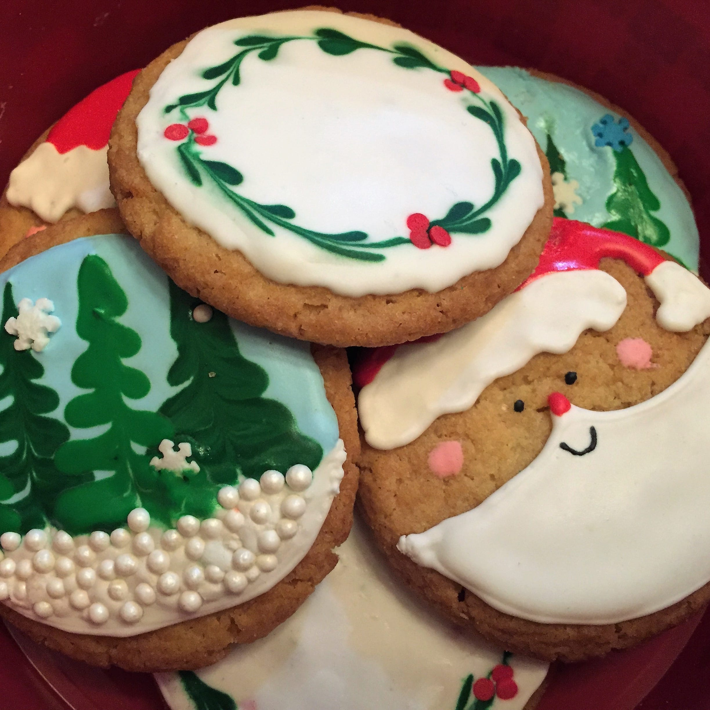 Join us for a holiday cookie decorating workshop