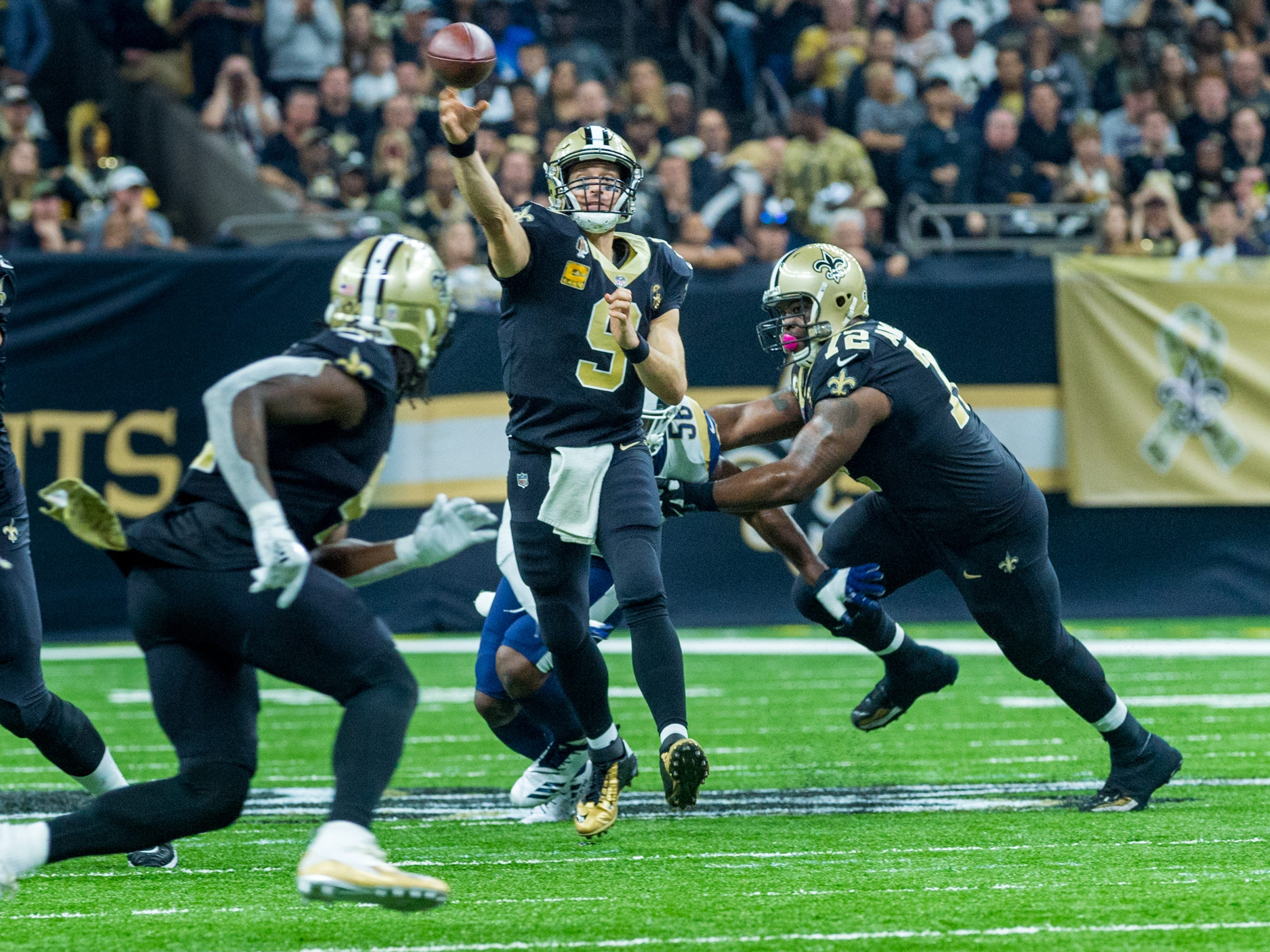 Saints quarterback Drew Brees throws a pass during the NFL football game between the New Orleans Saints and the Los Angeles Rams on Sunday, Nov. 4, 2018.