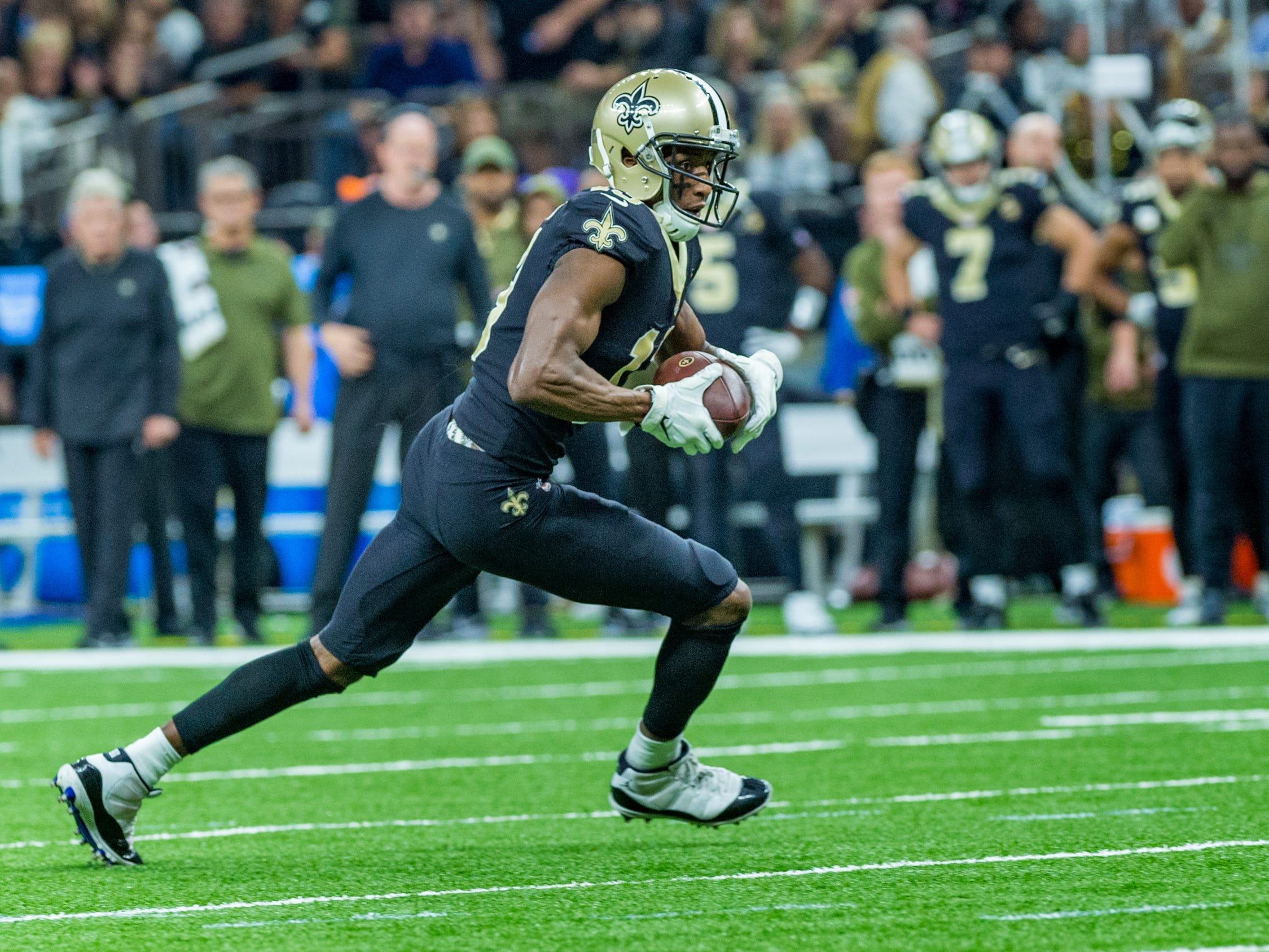 Saints wide receiver Michael Thomas catches a pass during the NFL football game between the New Orleans Saints and the Los Angeles Rams on Sunday, Nov. 4, 2018.