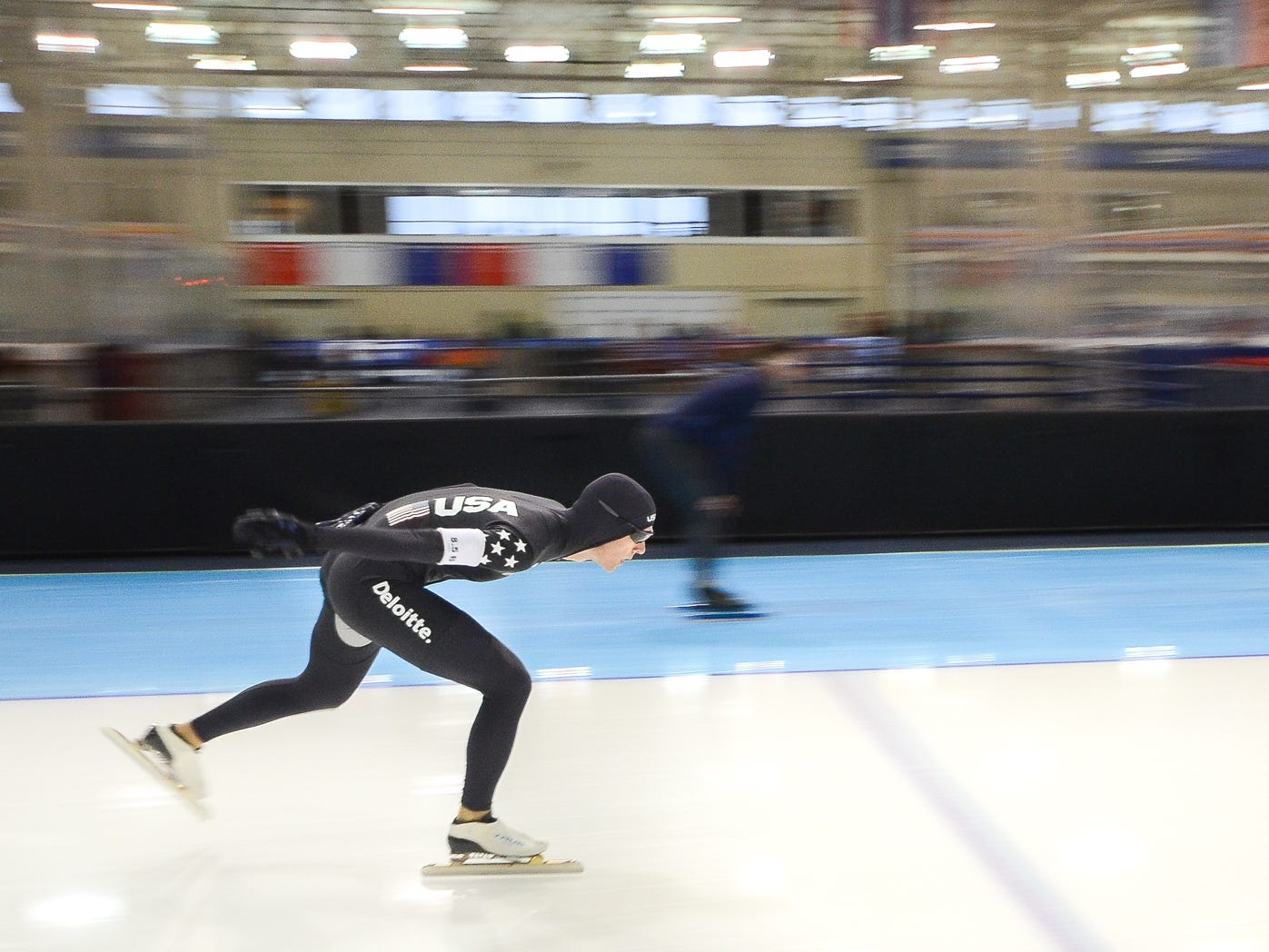 Steve Hartman competes in the men's 1,500 meters at the U.S. World Cup qualifying event Sunday, November 4, 2018, at the Pettit National Ice Center. He finished sixth.