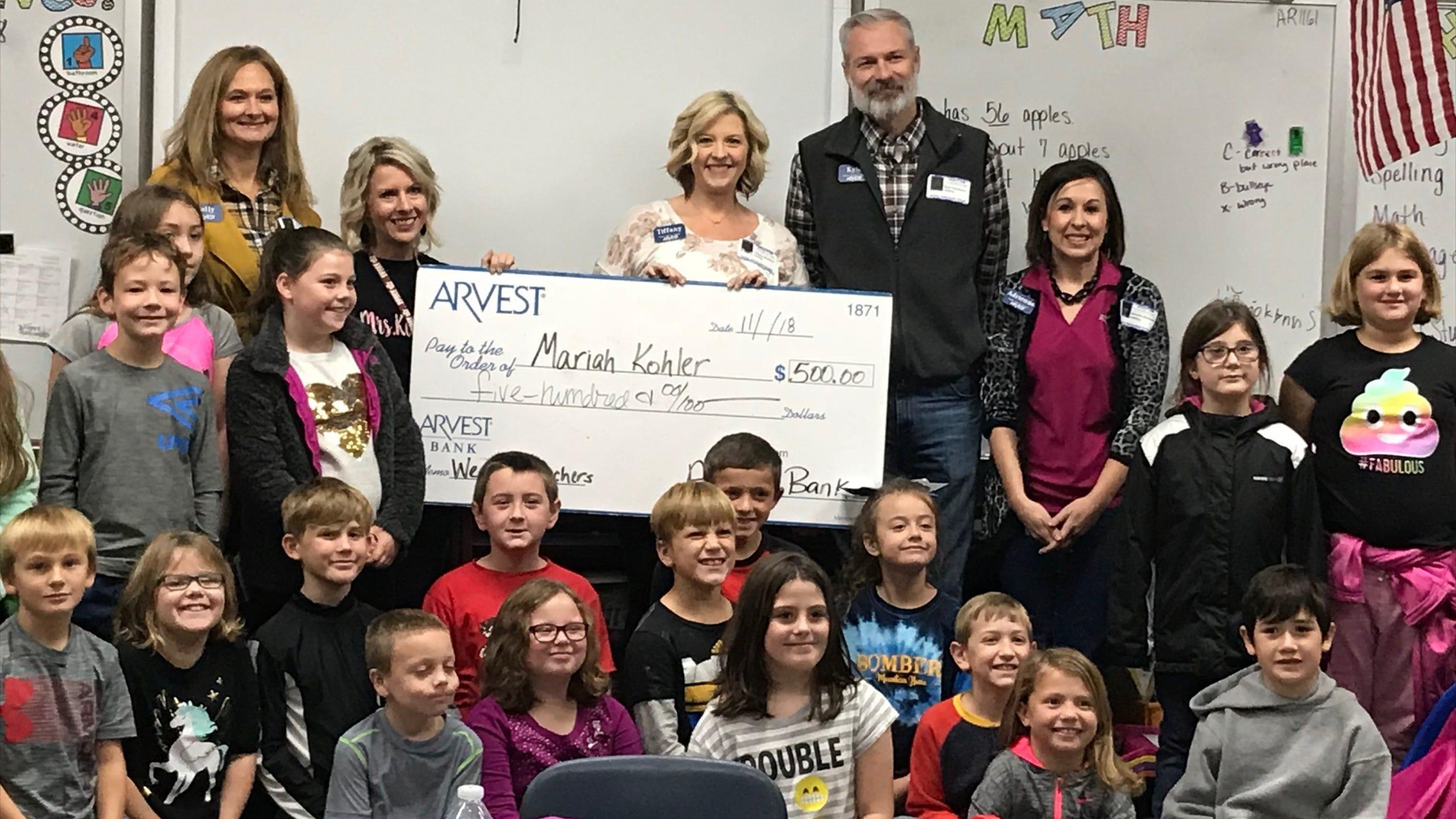 Arvest Bank awards $500 to teacher at Hackler Intermediate