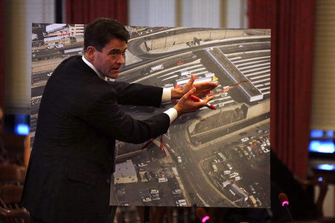 Nov. 25, 2013: Port Authority Executive Director Bill Baroni explaining why the traffic entrances were closed onto the George Washington Bridge with an aerial photo of the entrances and tolls.