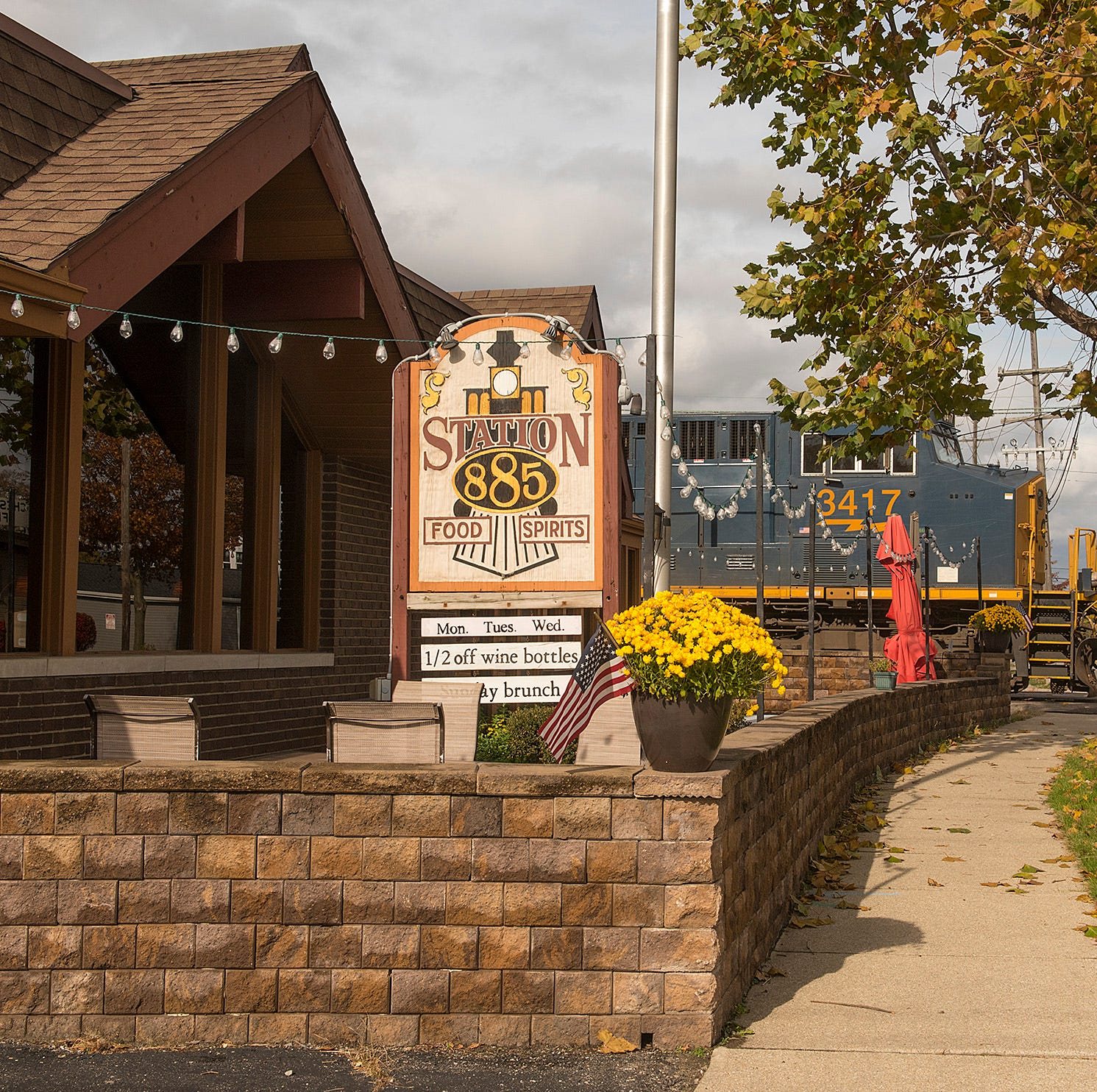 Stella's Black Dog Tavern moving to Station 885 site as owners create new concept