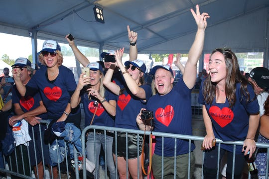 Food fans cheer on their favorite Food Champs in Kitchen Arena of the 2017 World Food Championships.