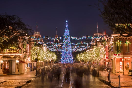 Disneyland Christmas.5 Best Things About Disneyland Christmas