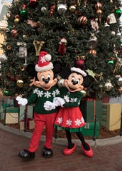 """Holidays at the Disneyland Resort returns Nov. 9, 2018 through Jan. 6, 2019, featuring seasonal offerings that include Festival of Holidays and """"Believe … in Holiday Magic"""" fireworks spectacular, plus guest favorites including """"it's a small world"""" Holiday and Haunted Mansion Holiday. Glistening Christmas trees and beautiful seasonal décor adorn the entire Disneyland Resort."""