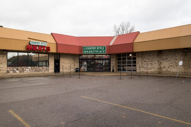 Steve Fernandez and Michelle Jones, who bought the Woolworth's building in downtown Port Huron, purchased Country Style Marketplace in Fort Gratiot. The couple plans to move the grocery store downtown.