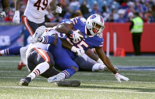 Bills running back LeSean McCoy getting shut down by the Chicago Bears defense.