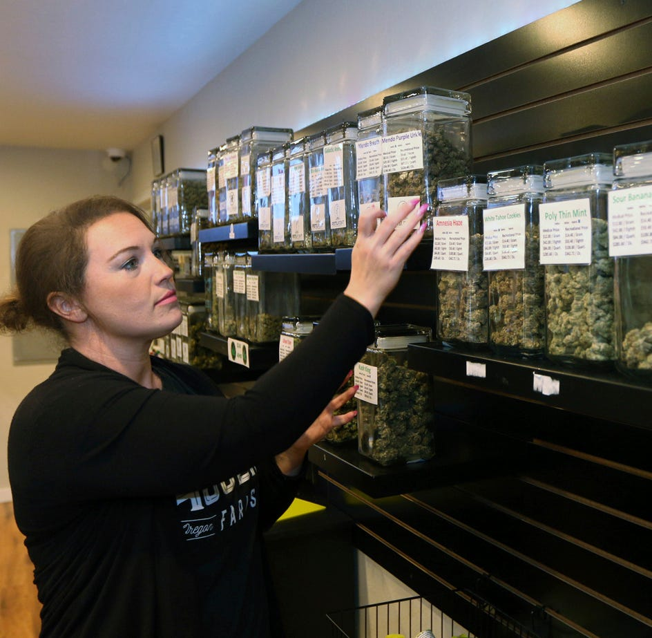 Pot shops, card holders drop Oregon Medical Marijuana Program
