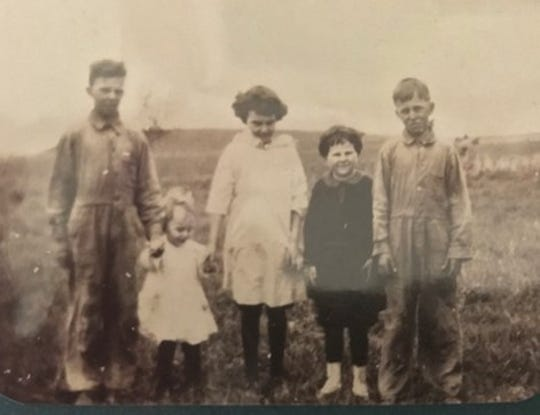 Bob Lyons and siblings, as youngsters, from left: Jim, Bob, Angela, Marge and Bill.