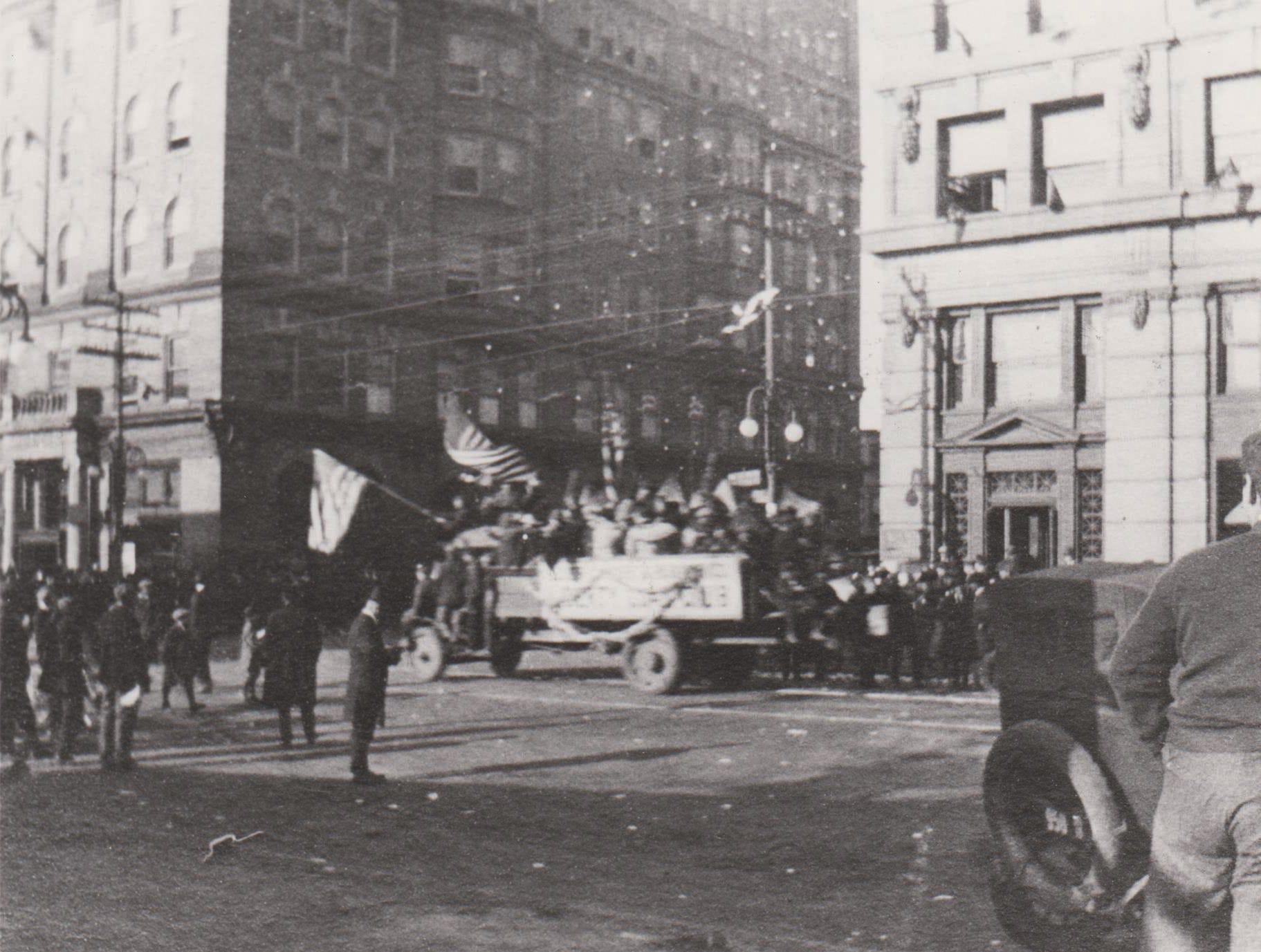 Armistice Day Parade in Wilmigton in 1918