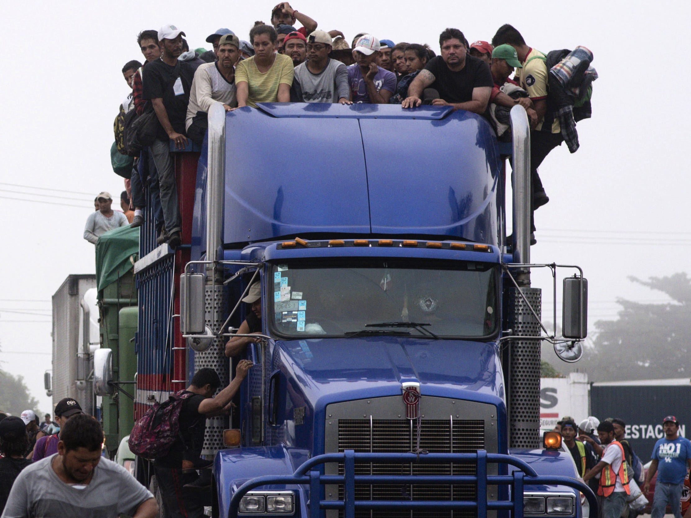 Members of the migrant caravan continue to make their way from Ciudad Isla, in the state of Veracruz, to the state of Puebla, in Mexico.