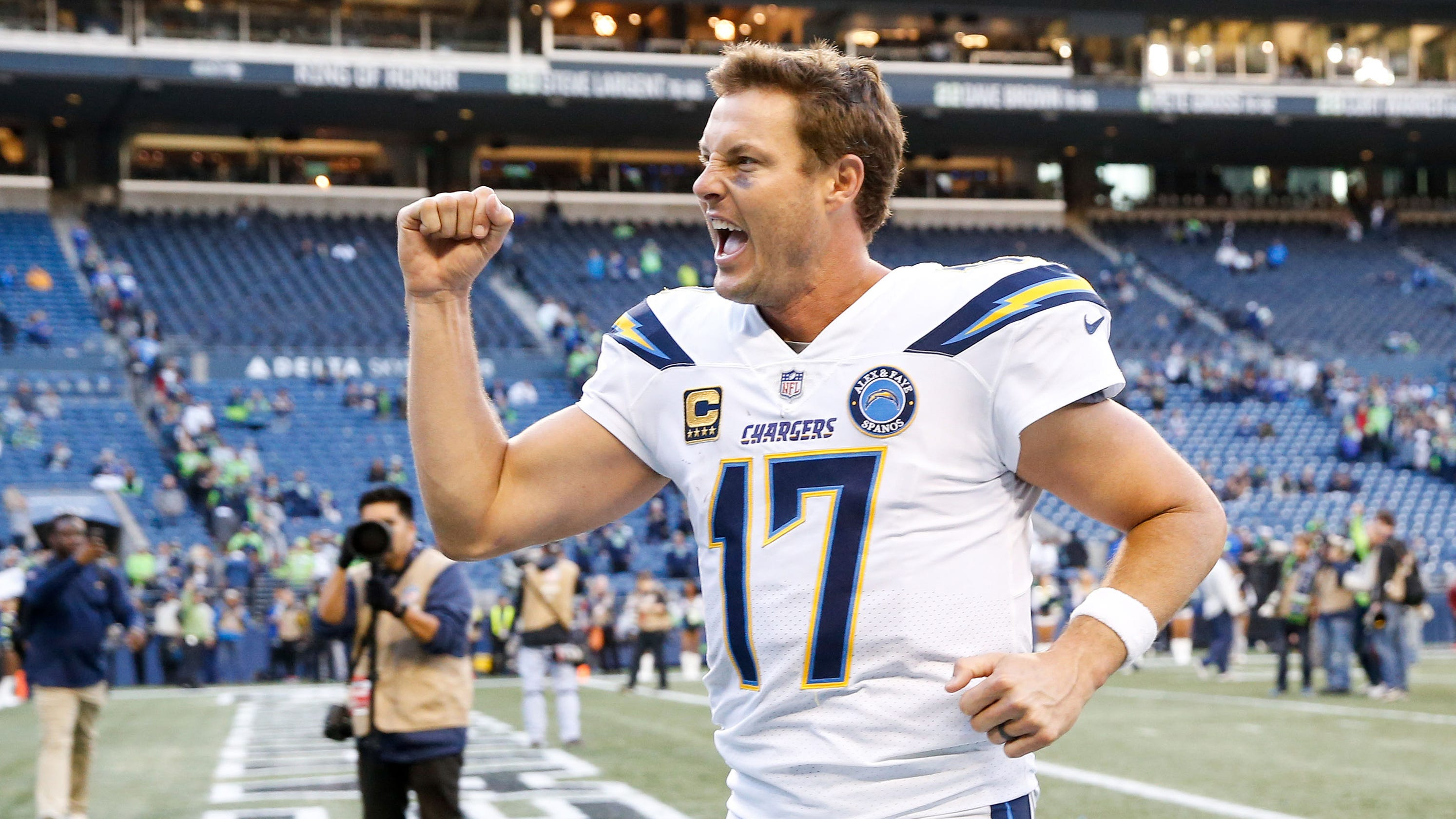 11df8234 LA Chargers continue midseason surge with win over Seahawks