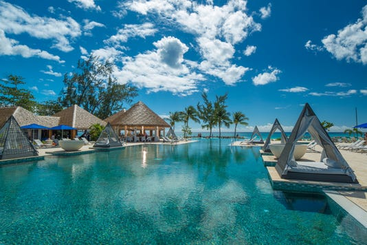 Sandals Royal Barbados Main Pool 3