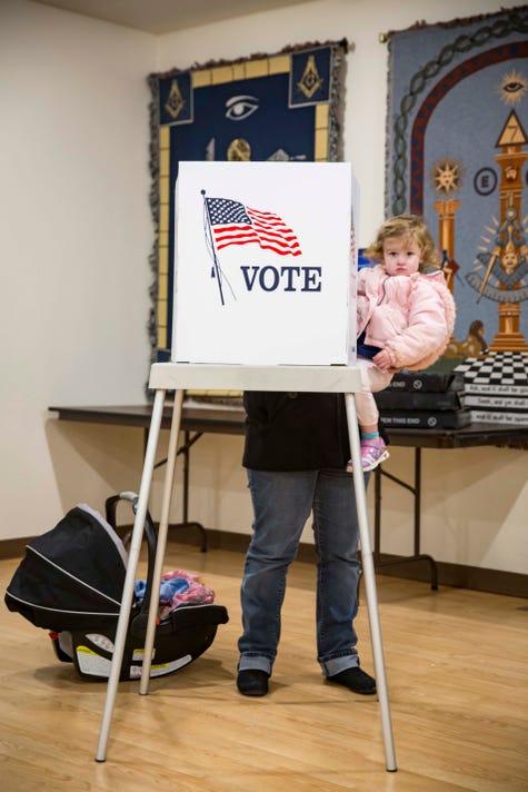 1106 Midterm Voting Central Iowa Rwhite 00169
