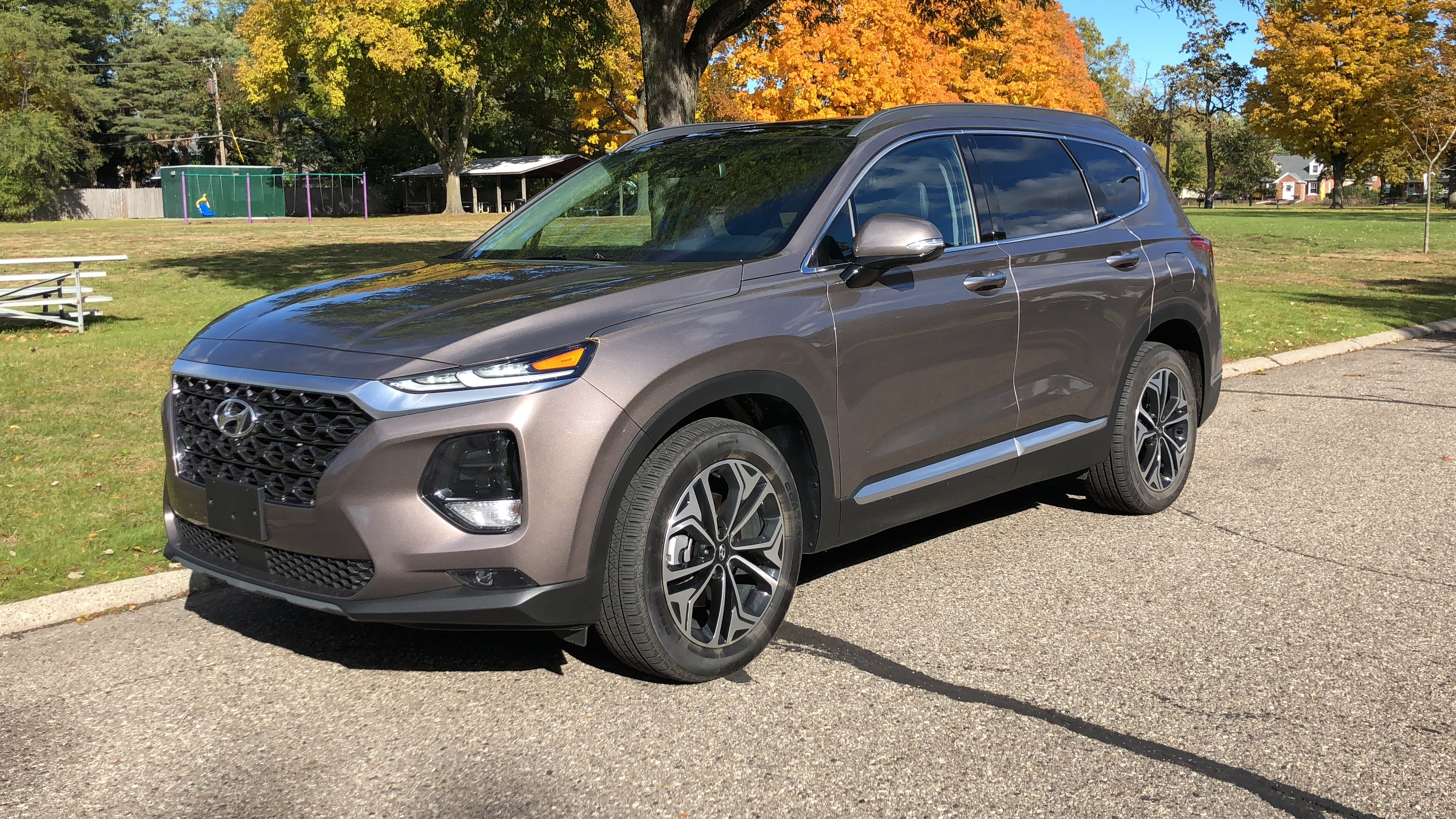 Review 2019 Hyundai Santa Fe Scores With Safety And Room