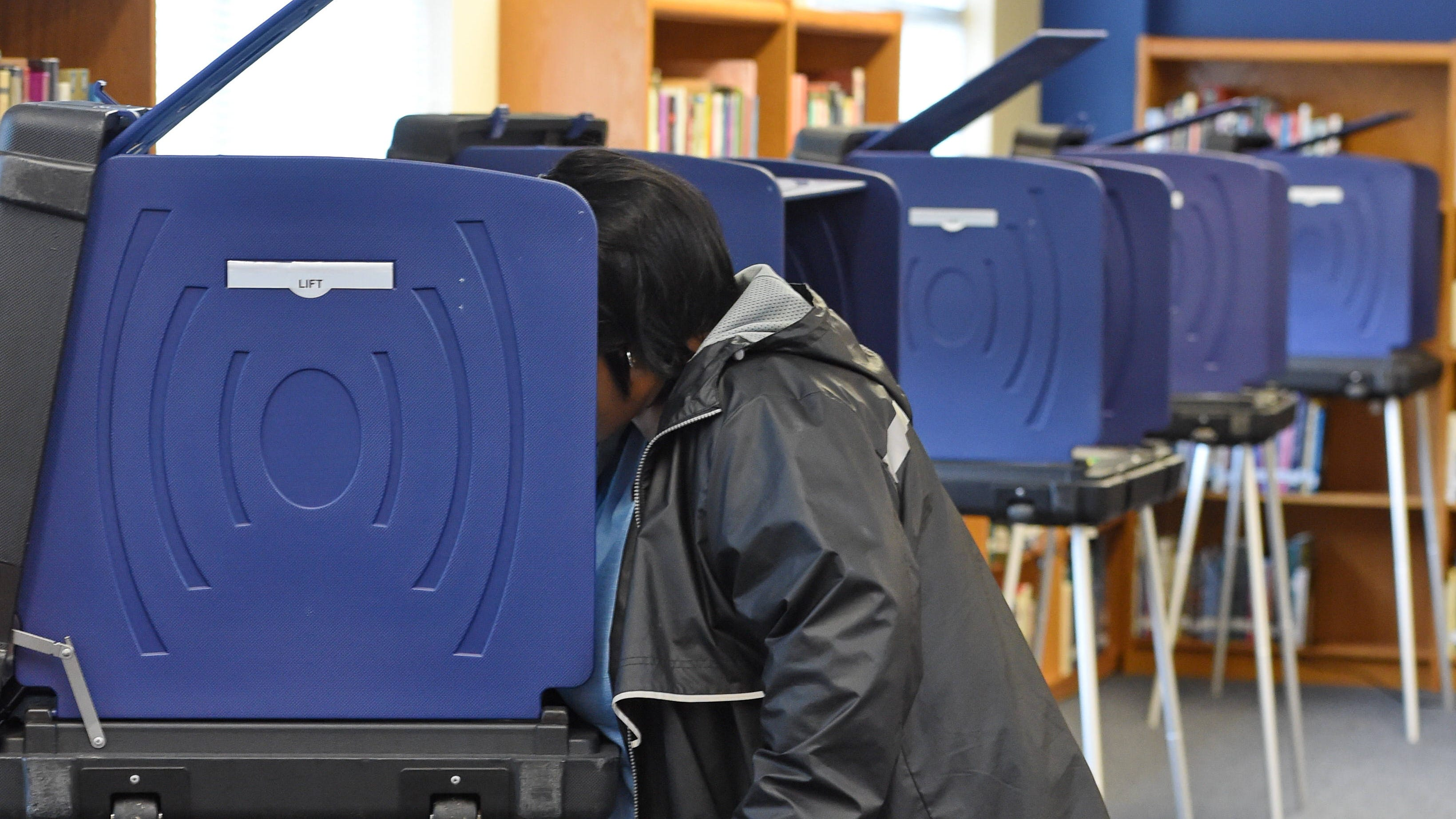 Voting snafus renew calls for new voting machines in South Carolina