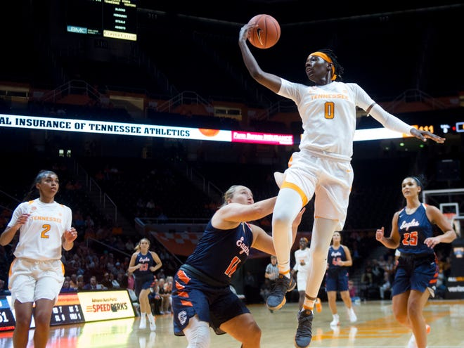 Tennessee's Rennia Davis (0) passes the ball to a waiting Evina Westbrook (2) during the exhibition game against Carson-Newman on Monday, November 5, 2018.