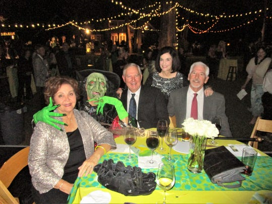 Connie Elmore, Rob Davis, Wayne Elmore, Martha and George Latiolais