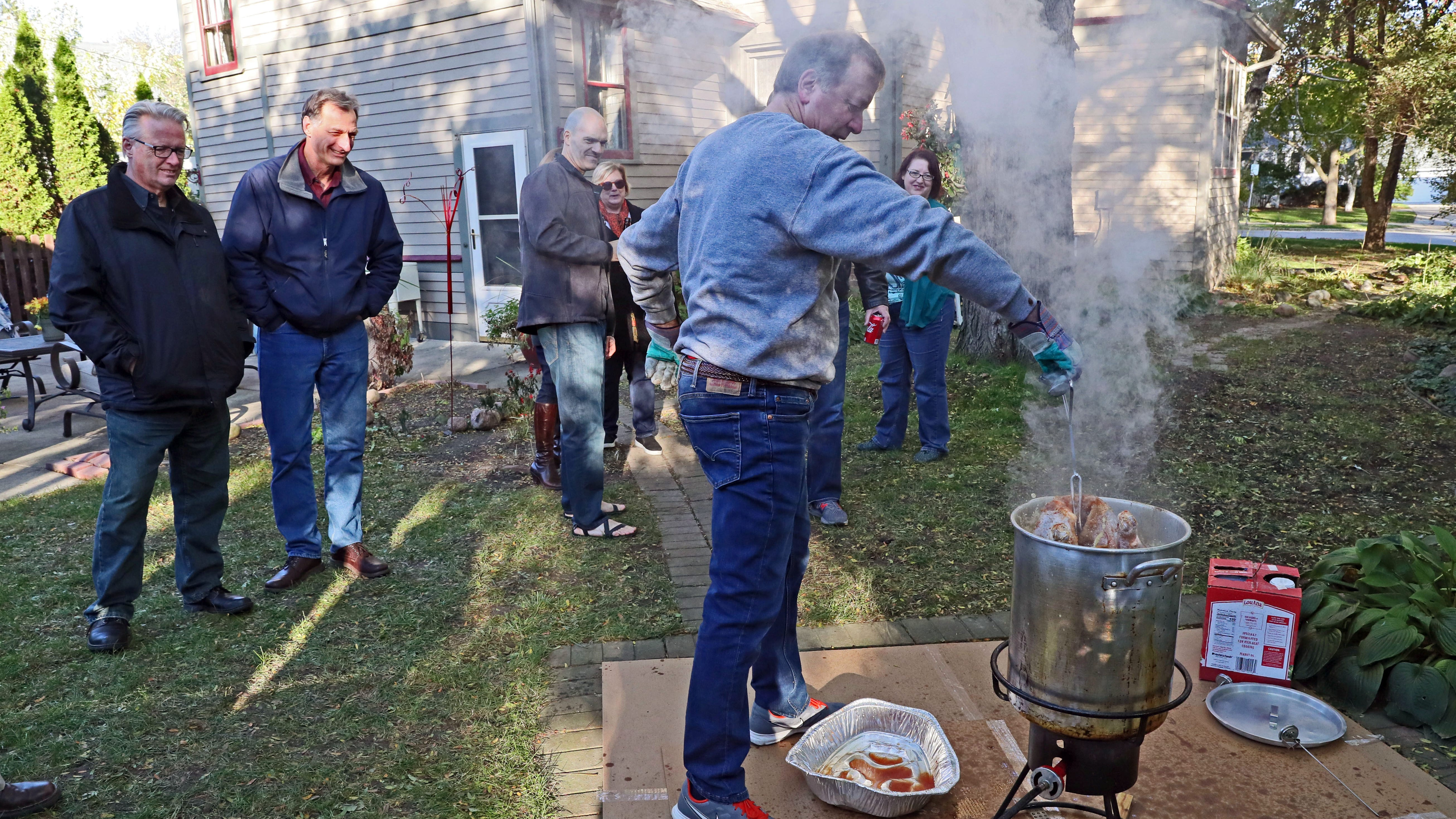 Wauwatosa neighborhood's turkey fry turns into a sizzling event