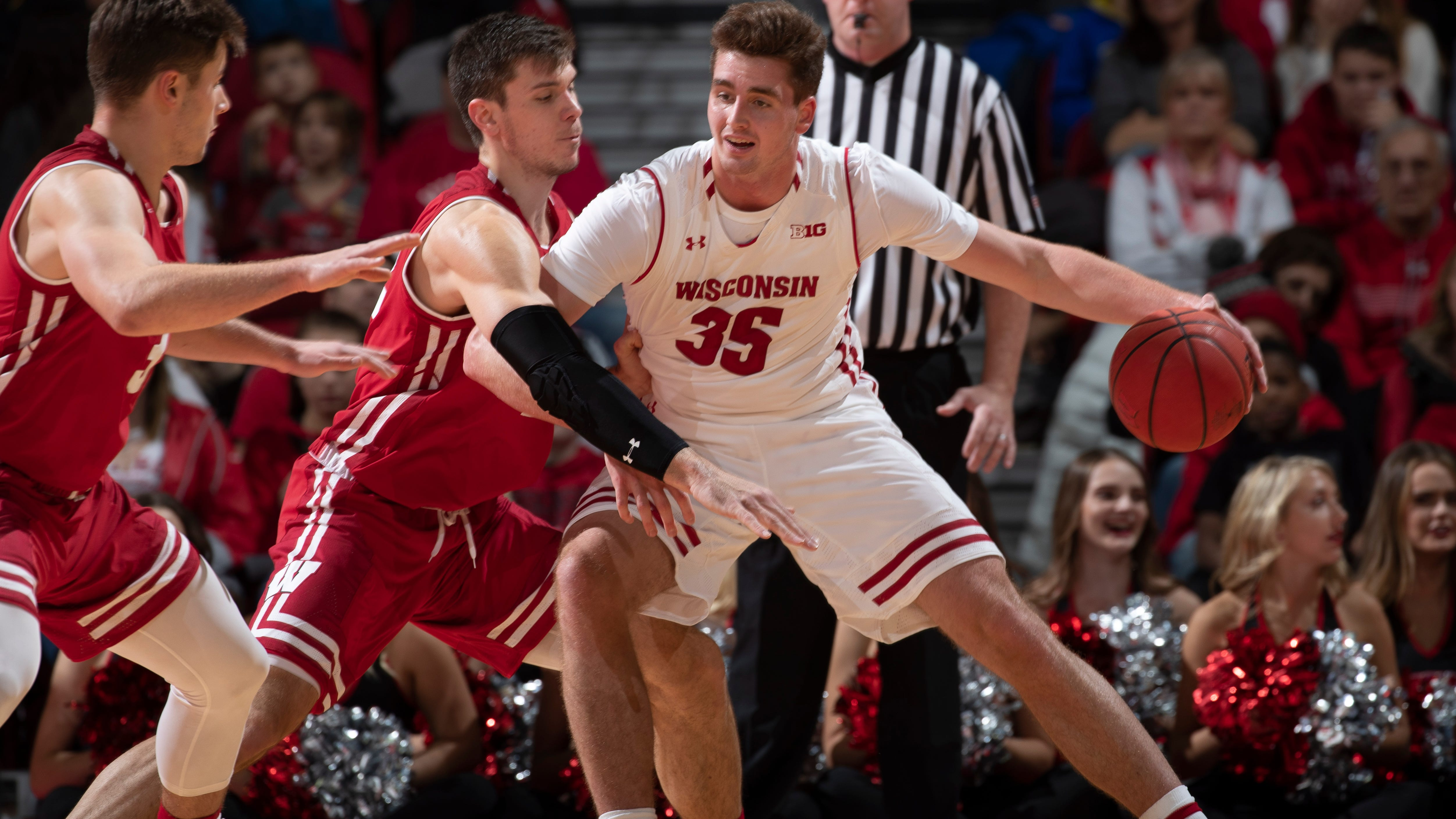 How the Badgers' Nate Reuvers bulked up to go to battle in the Big Ten