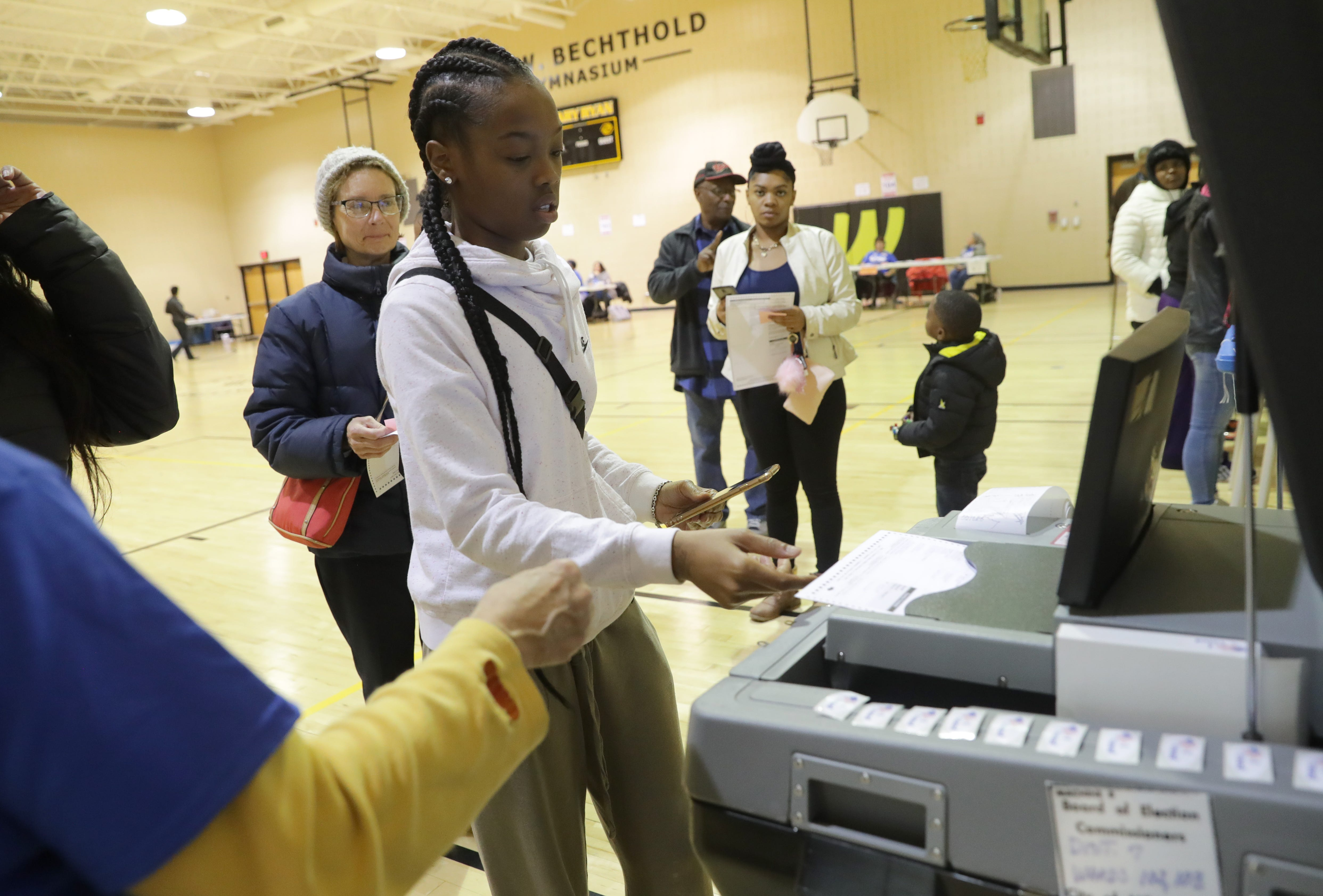3460a74ee67 First-time voters cast their ballots