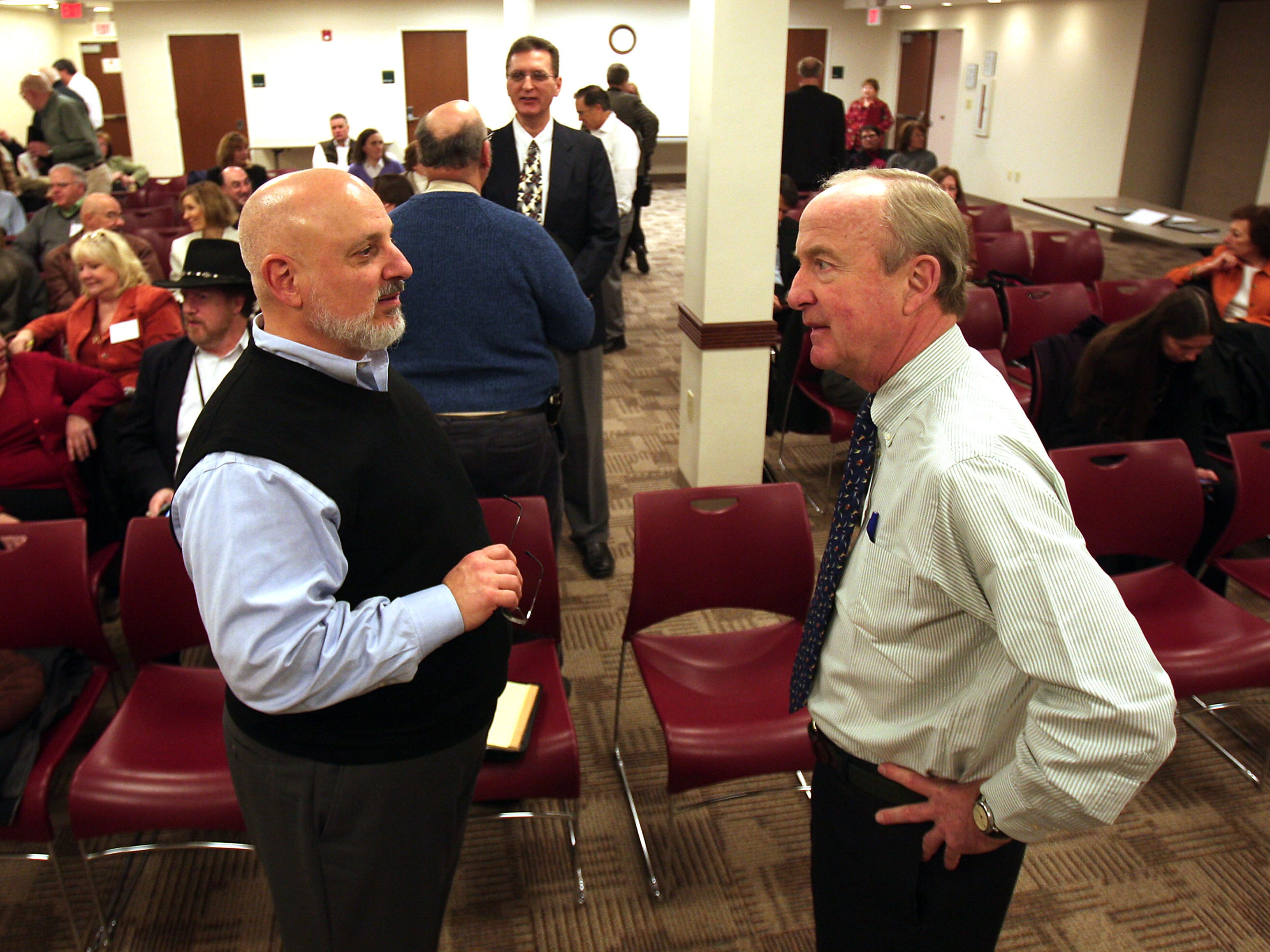 Parsipany, N.J.- January 30, 2013--- Glenn Nahass of GNPC llc in Pompton Plains , l, talks with Rep. Rodney Frelinghuysen who met with members of the Professional Support Group of Morris County at the Parsippany Main Public Library to share ideas about how Congress can spur job creation and restore confidence in America's economy.  