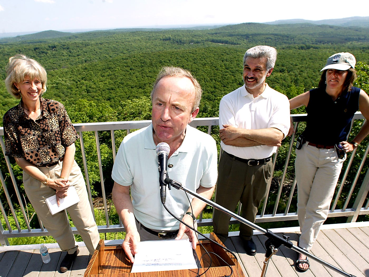 Rockaway Twp--May 22, 2004--US Secretary of the Interior Gale Norton, l, Congressman Rodney Frelinghuysen, Mayor of Rockaway Twp Lou Sceusi and Midlantic region VP field rep for the Trust for Public Land Rose Harvey during a Highlands news conference at Wildcat Ridge.