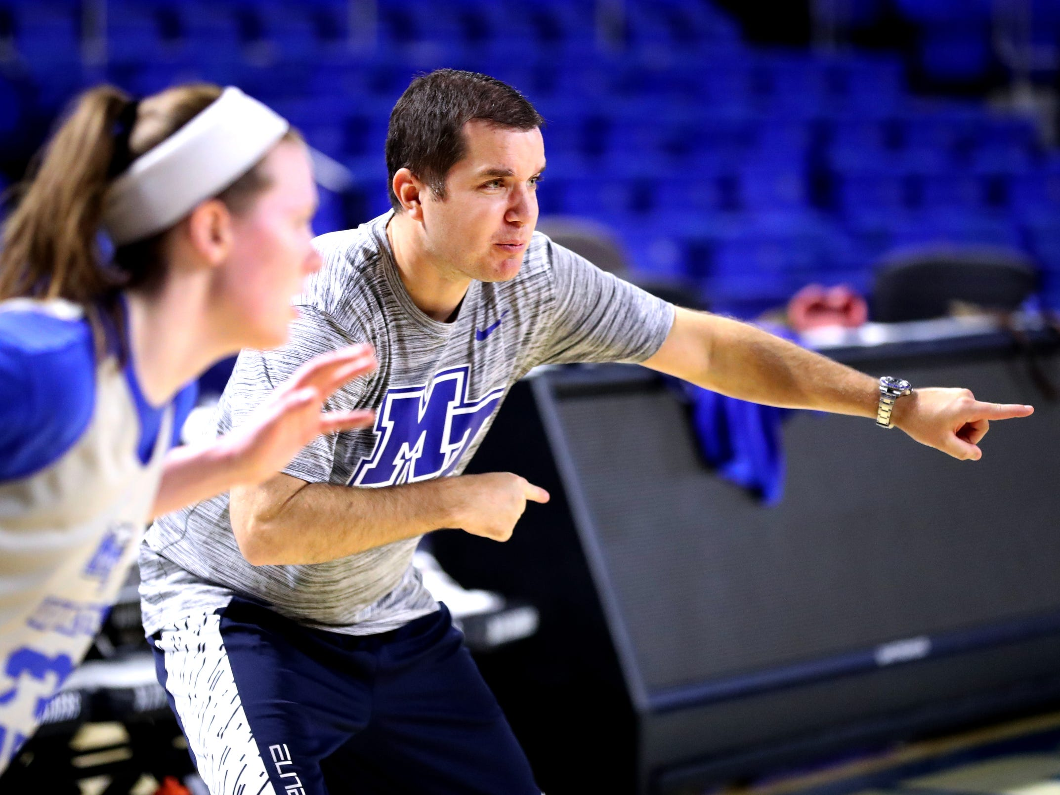 MTSU women's assistant basketball coach Matt Insell works with players during practice at Murphy Center on Monday, Nov.. 5, 2018.