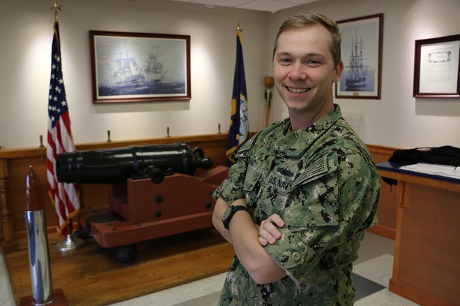 Lt. Jesse Gandy is a Gallatin native.