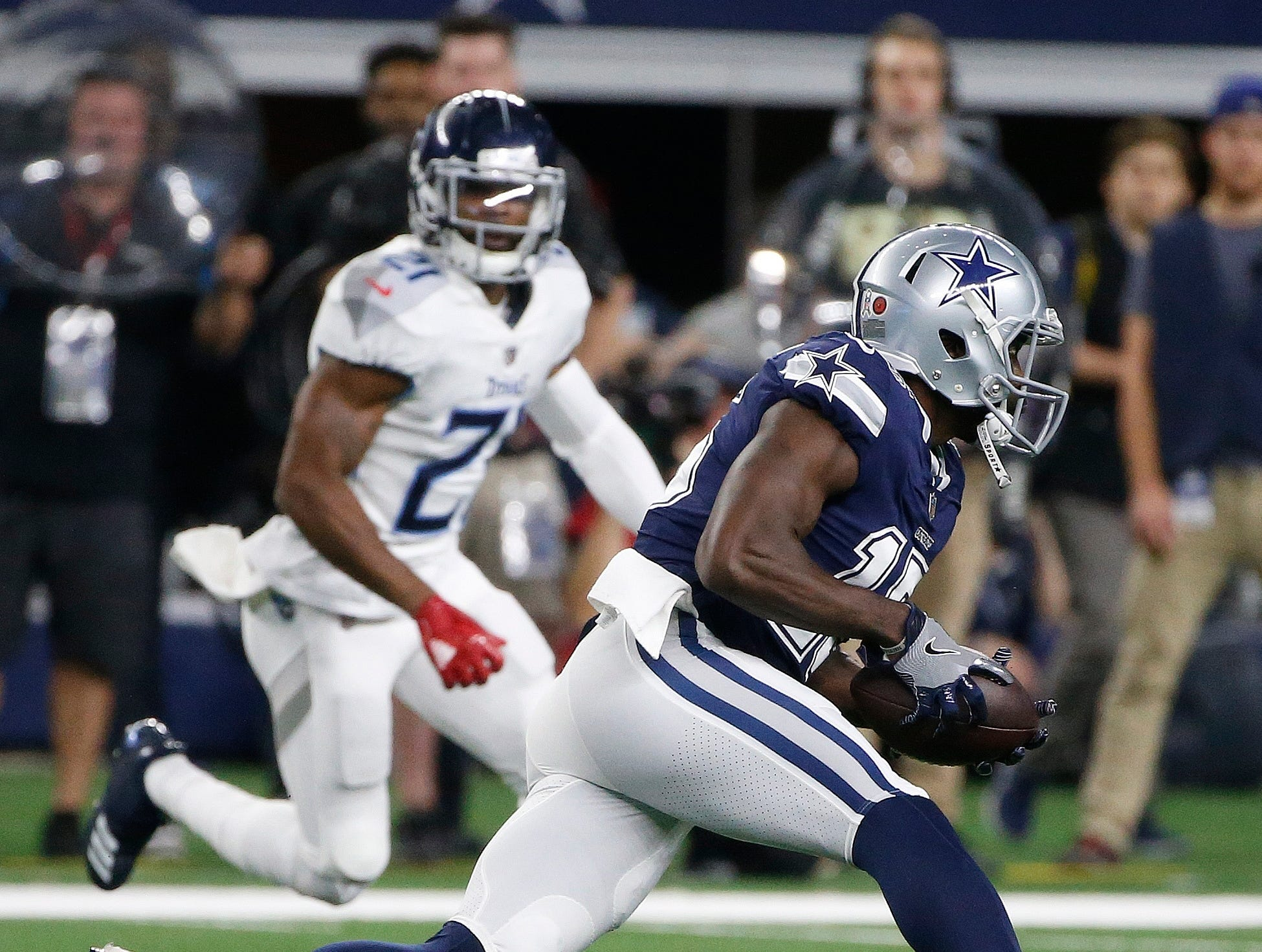 Dallas Cowboys wide receiver Deonte Thompson (15) runs against the Tennessee Titans during the first half of an NFL football game, Monday, Nov. 5, 2018, in Arlington, Texas.