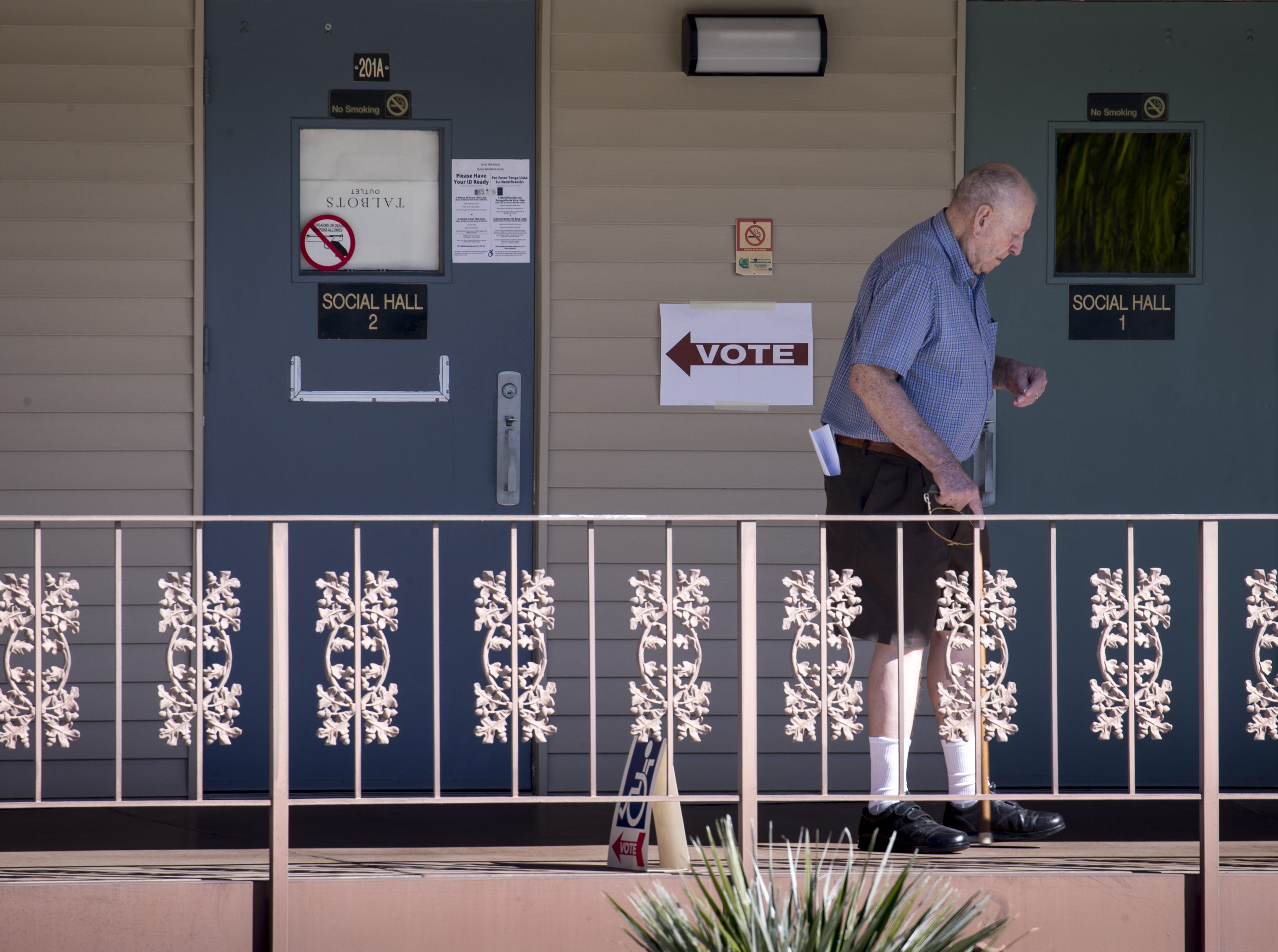 Jim Carper leaves the polling place after casting his ballot, Nov. 6, 2018, at Lakeview Rec Center, 10626 W. Thunderbird Blvd. in Sun City.
