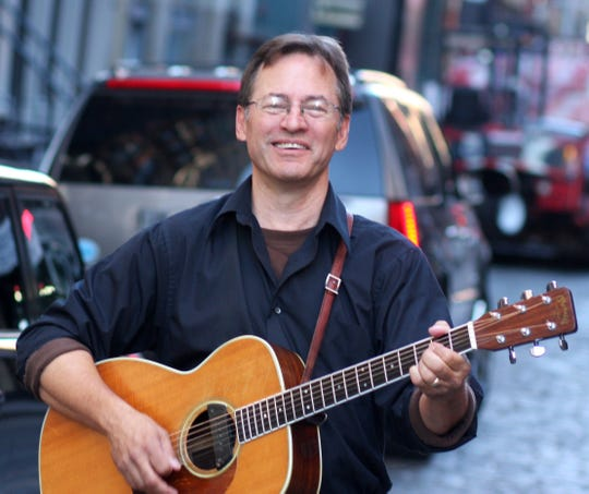 Roy Zimmerman will be performing at the Unitarian Universalist Congregation of Salem at 7 p.m. on Nov. 11.