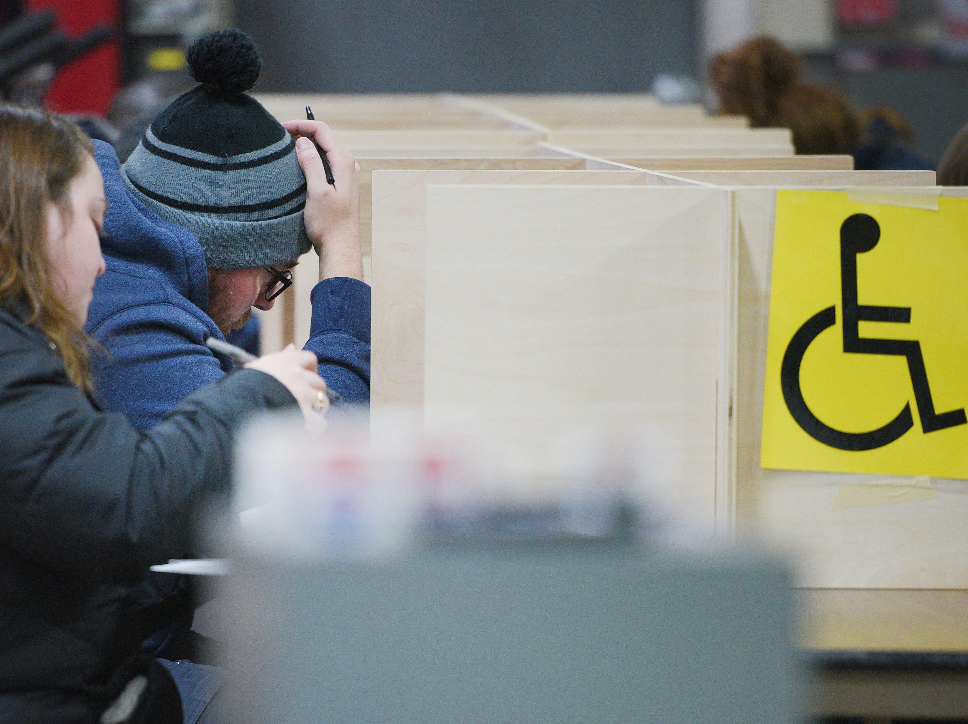 Douglas Wichern votes in the 2018 midterm elections Tuesday, Nov. 6, at Fire Station #7 in Sioux Falls.