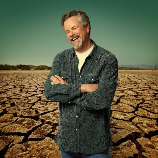 Robert Earl Keen plays Pebble Hill Plantation outdoors on Sunday.